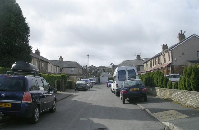Haycliffe Drive - Moore Avenue