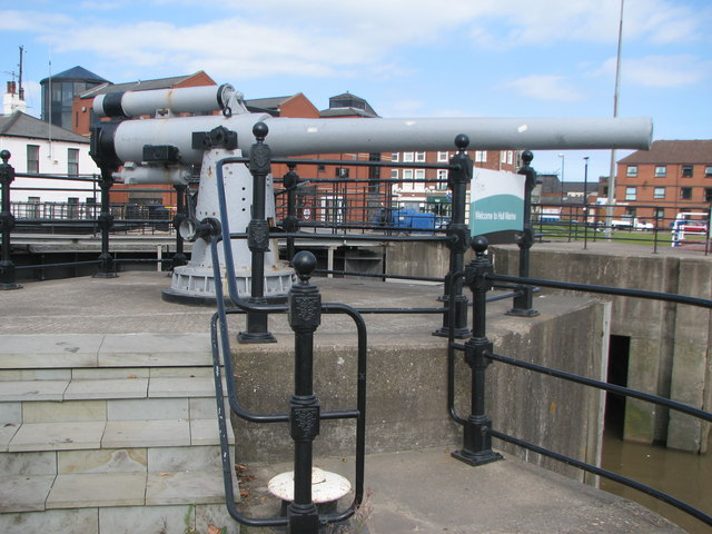 Gun at Hull Marina