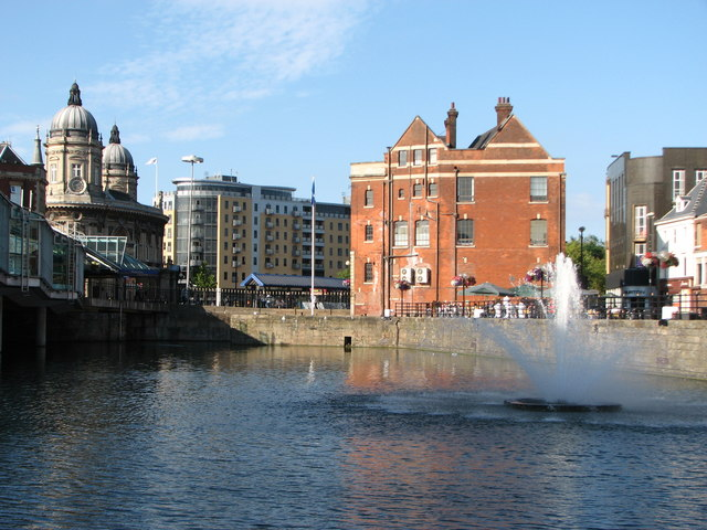 The fountain in the dock at Princess Quay