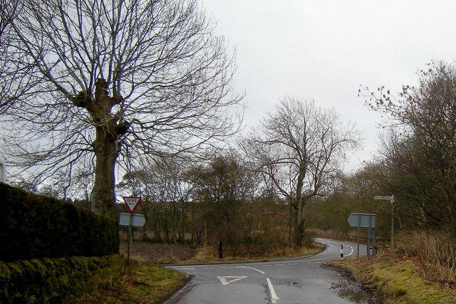 Baldoukie Road at its junction with Tannadice / Justinhaugh Road