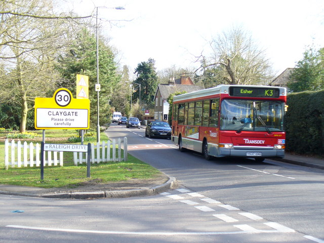 Entering Claygate
