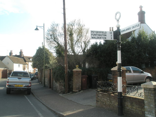 Signpost in North Street