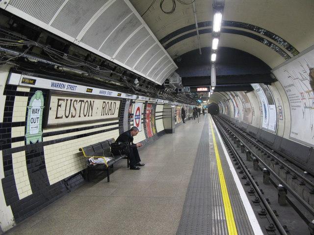 Euston Road tube station platform