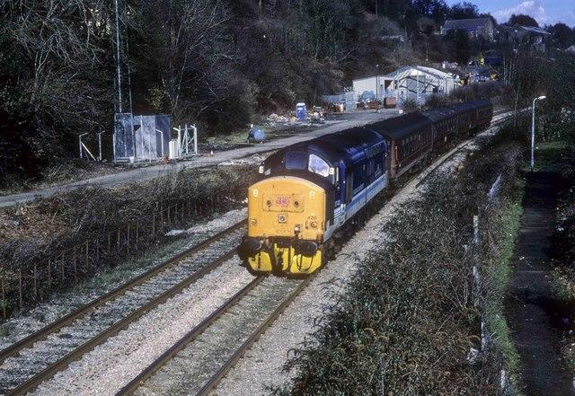 Cardiff bound train approaches Llanbradach