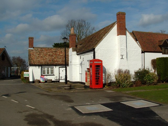 Cromwell Family Cottage, Grafham Caravan Club Site