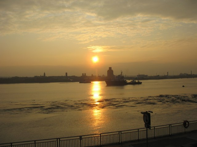 Homecoming at Sunset - Shipping in the Mersey
