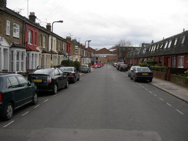 Vale Road, N4 (1)