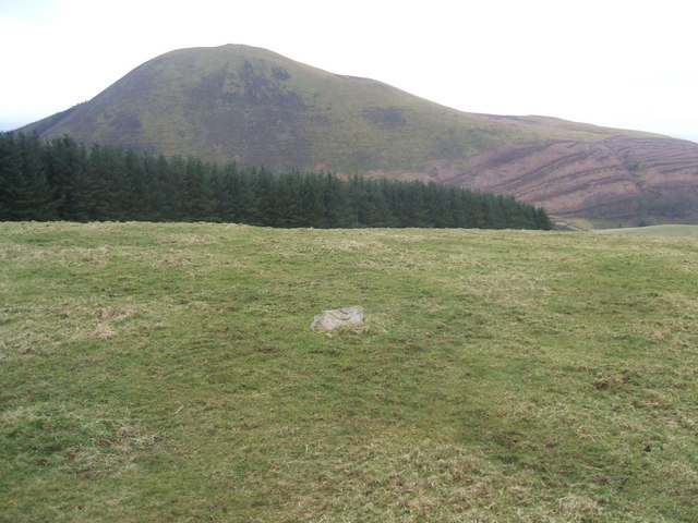 A solitary stone marks the top of High Hows
