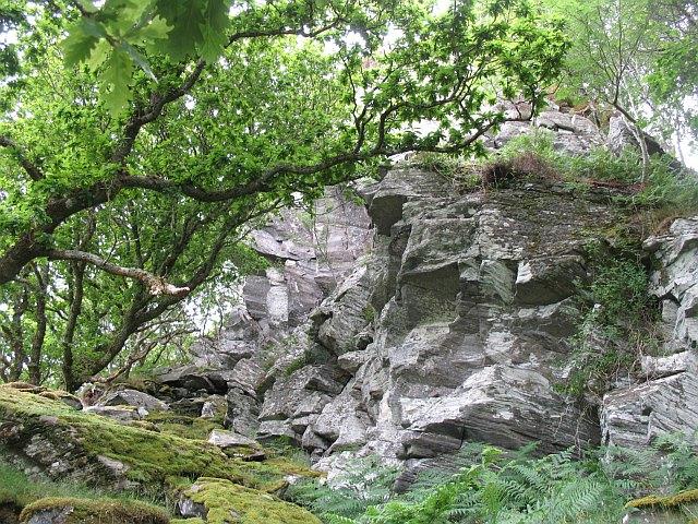 Crags, Shona Beag