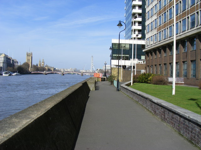 Thames Path-Albert Embankment