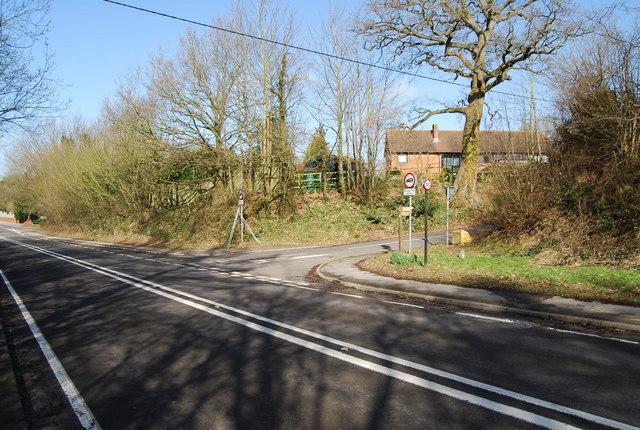 Worldham Hill (B3004), Wycks Lane junction, East Worldham