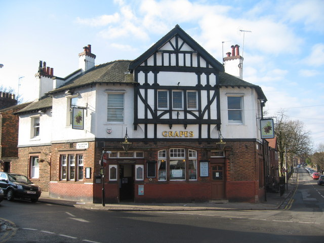 The Grapes, Woolton