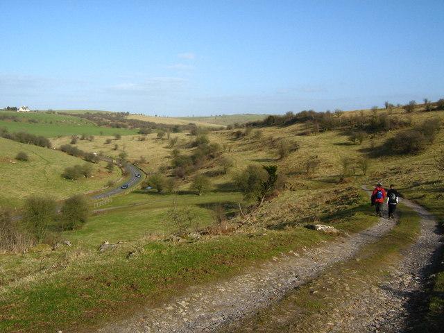 B3135 and footpath east of Cheddar Gorge
