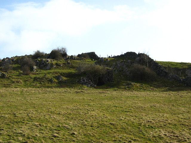 Lime kiln near Bradley Cross