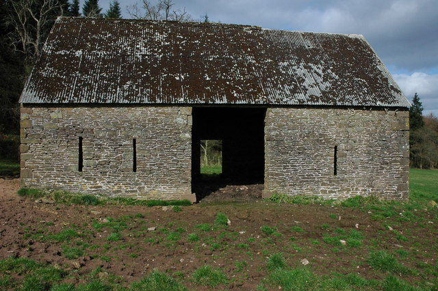 Stone barn above Ganarew