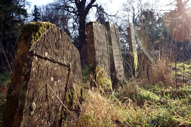 Great Tew churchyard