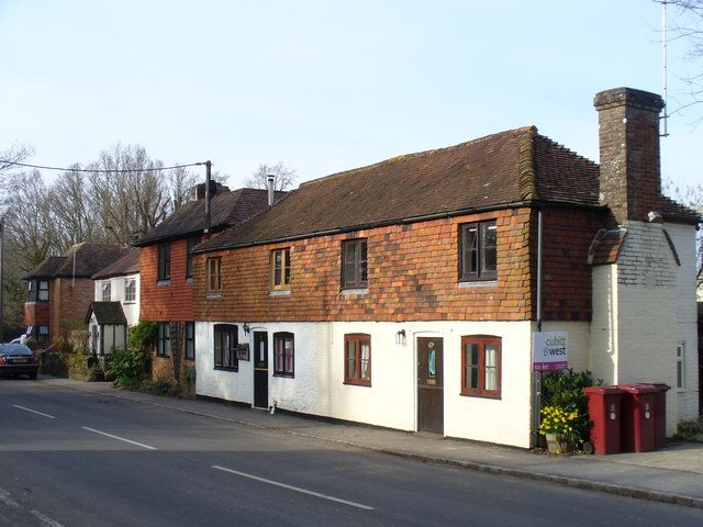 Cottages by Pound Common
