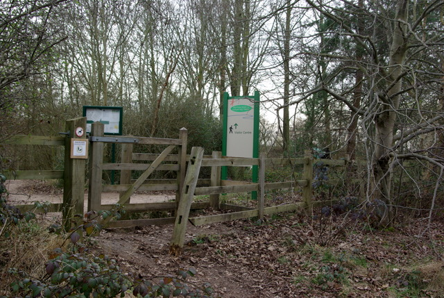 Footpath entrance to Ryton Pools Country Park