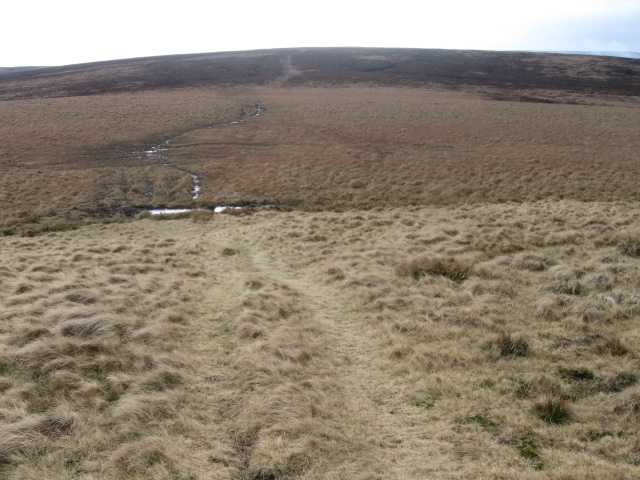 Towards Round Hill