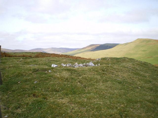 Cairn near summit of Garneddwen