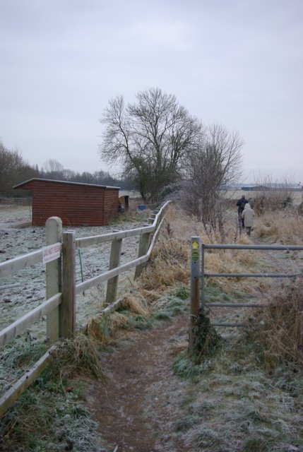 Start of footpath south of Charlecote