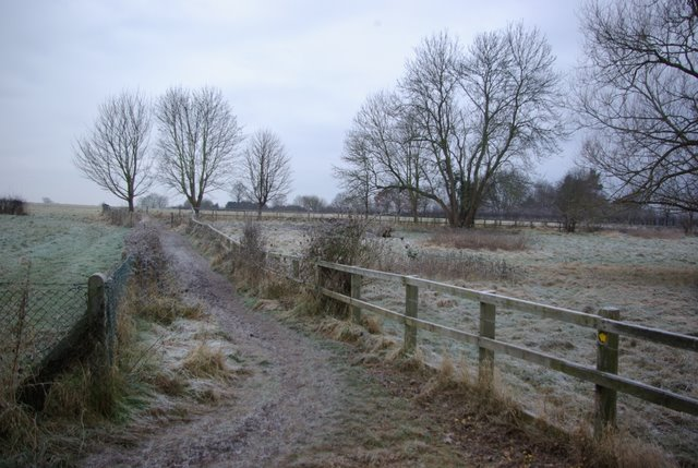 Footpath south of Charlecote