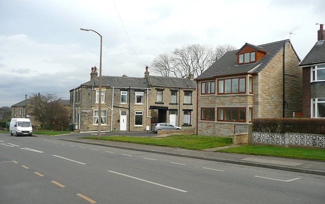 New house and Thornton Street, Moorside, Cleckheaton