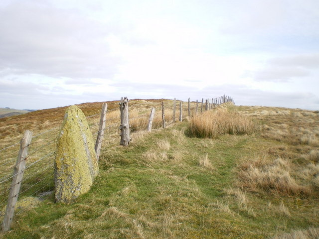 Boundary stone and summit of Maengwyn