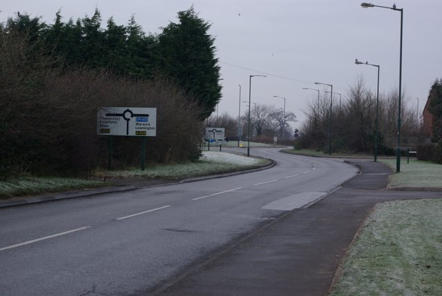 Approach to the roundabout on the A429