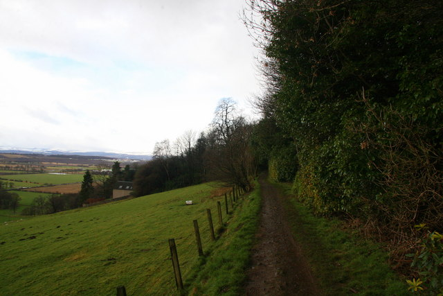 Footpath between Alva and Tillicoultry