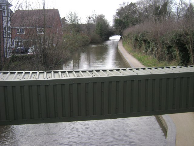 Duct over Grand Union Canal at Bridge 47, Warwick