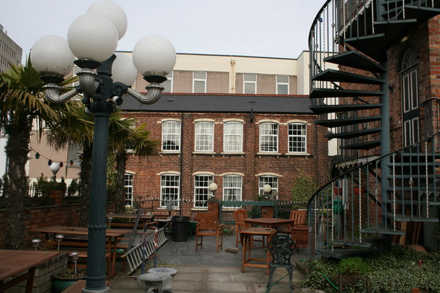 Patio area of the Lyndon House Hotel