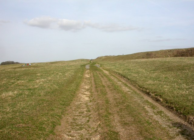 Badbury Rings, Roman road
