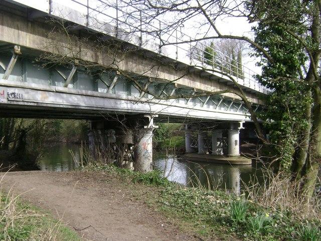 Railway bridge over the River Avon, Warwick