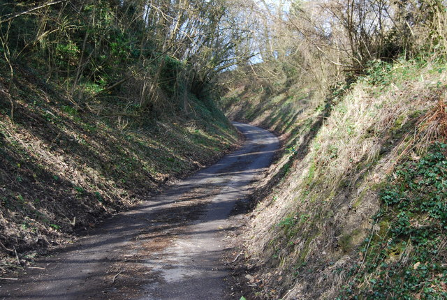 Small lane climbs the Greensand Escarpment