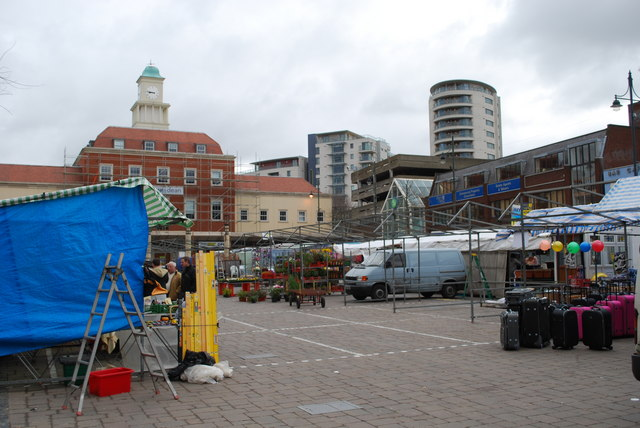 Setting up the stalls at Romford market