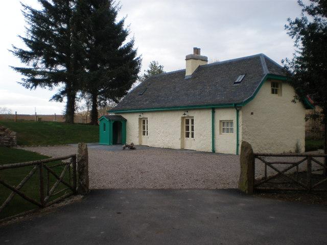 Restored Cottage near Aldourie