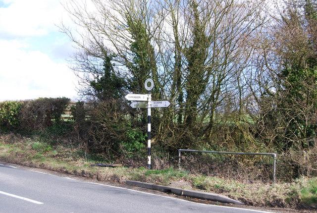 Road signpost, Selborne Rd, Hall Lane junction