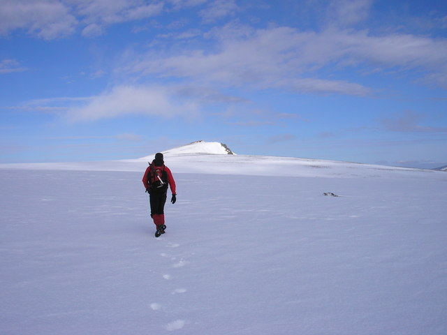 Heading to the summit of Sgor Gaoith
