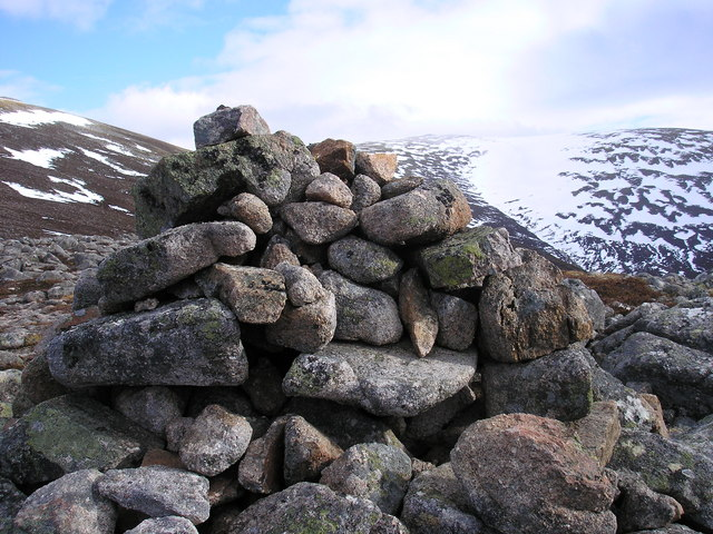 The Meall Tionail Cairn