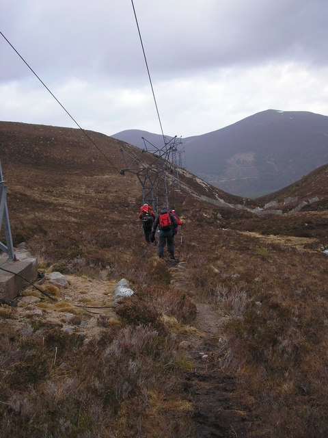 The chairlift in lower Coire na Ciste