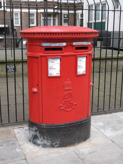 Edward VII postbox, Tavistock Place / Hunter Street, WC1