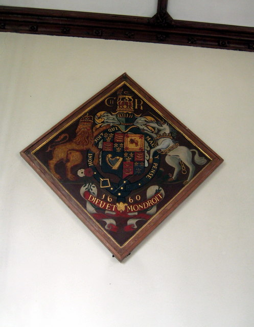 Royal coat-of-arms - St Margaret's Middle Chinnock