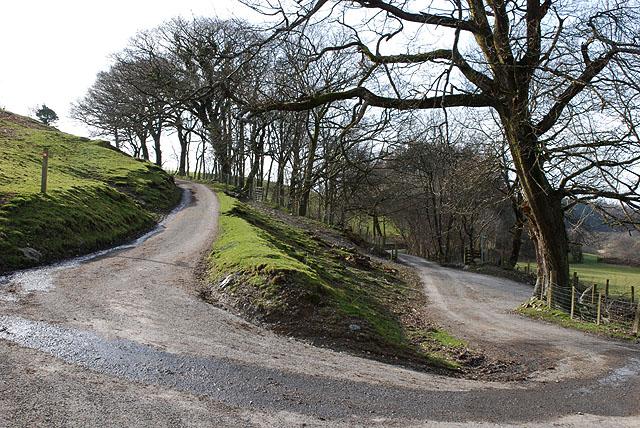 U-bend on minor road road near Moelgolomen farm
