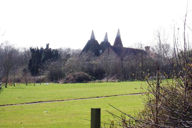 School House Oast & Orchard Oast, Schoolhouse Lane, Horsmonden, Tonbridge, Kent