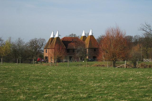 Bottom Oast House, Little Cheveney, Sheephurst Lane, Marden, Kent