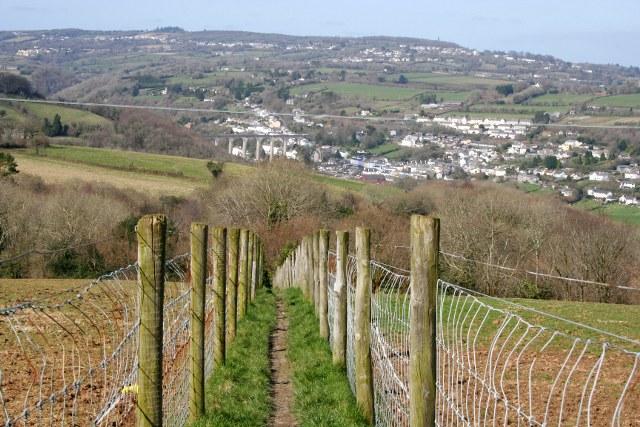 Fenced-off Footpath