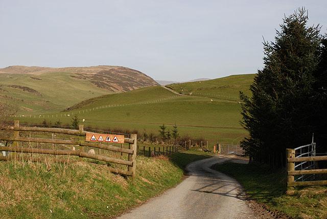 Track heading for Banc Llechwedd Ddu