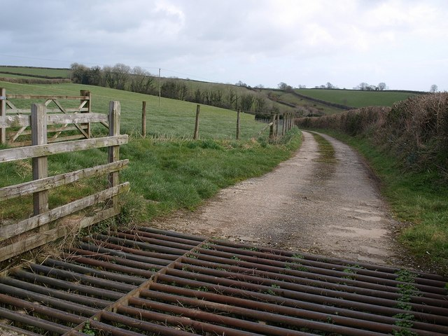 Farm road to Barleycombe