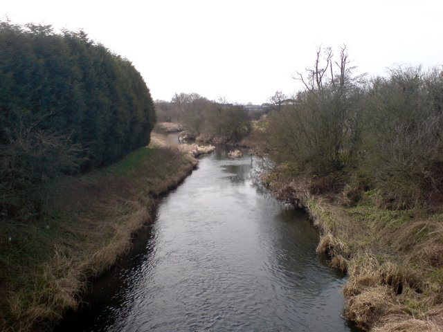 View downstream along the Avon from Ryton Bridge
